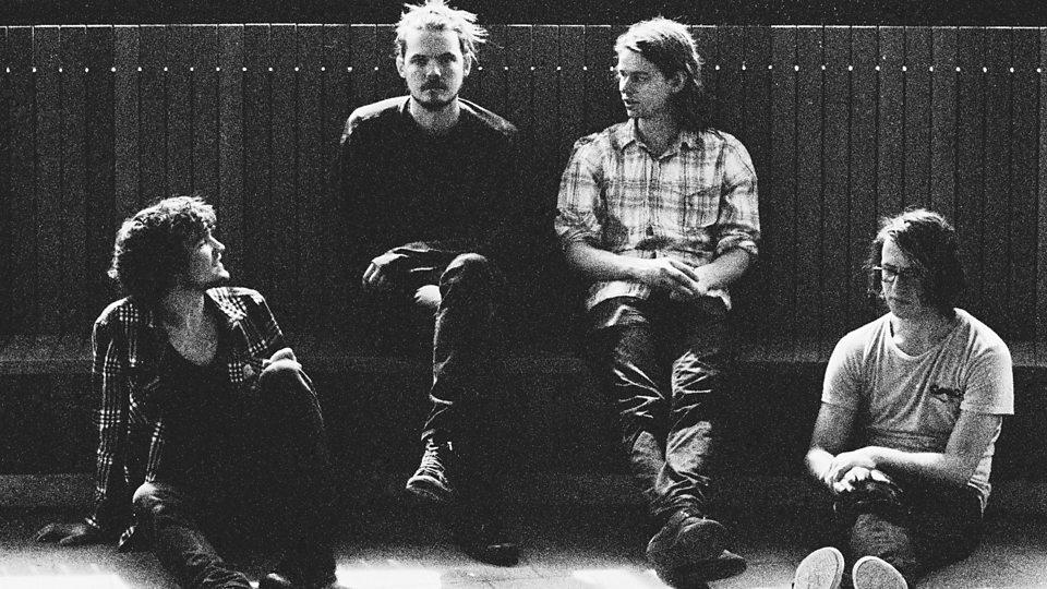 Half Moon Run lance aujourd'hui leur nouvel album, A Blemish In The Great Light