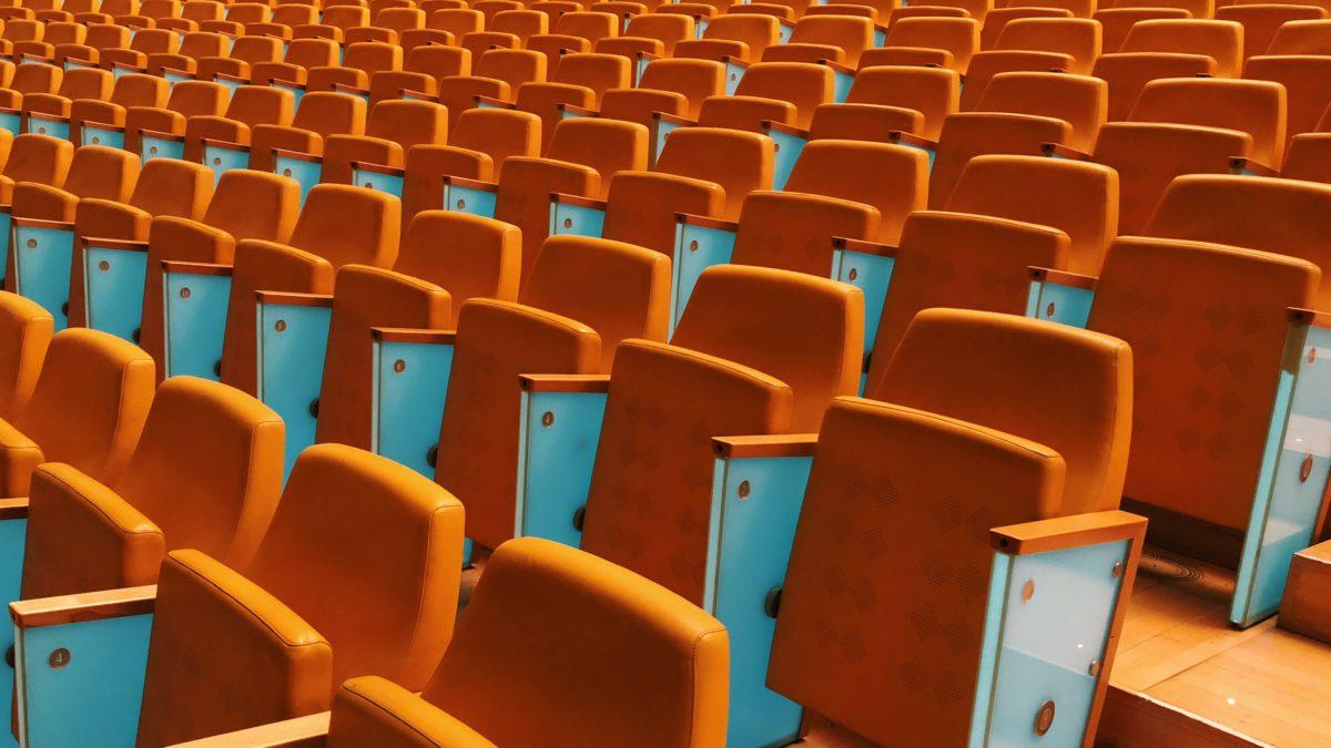 En Europe, des spectateurs renoncent au remboursement de leurs billets pour soutenir les artistes et les salles de spectacles