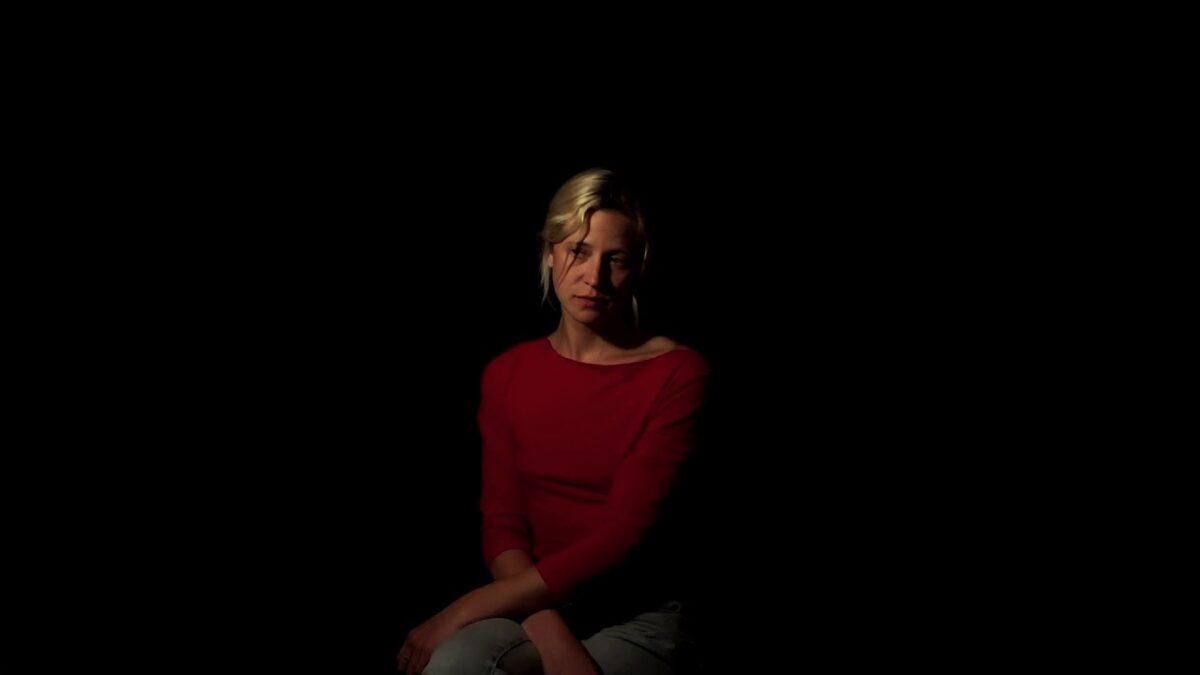 La québécoise Helena Deland sort son premier album complet, Someone New