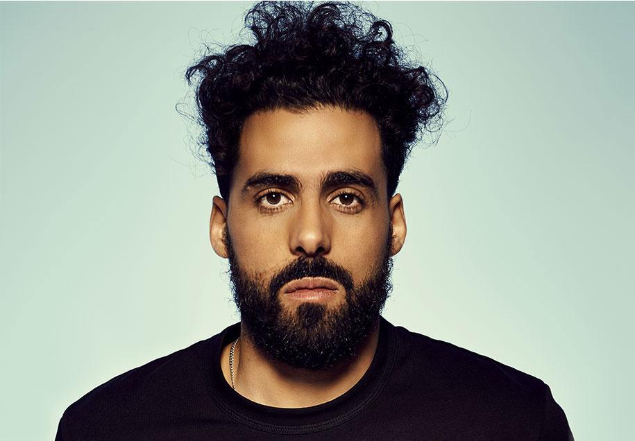 L'humoriste Adib Alkhalidey lance un premier album musical sous son alias Abelaïd