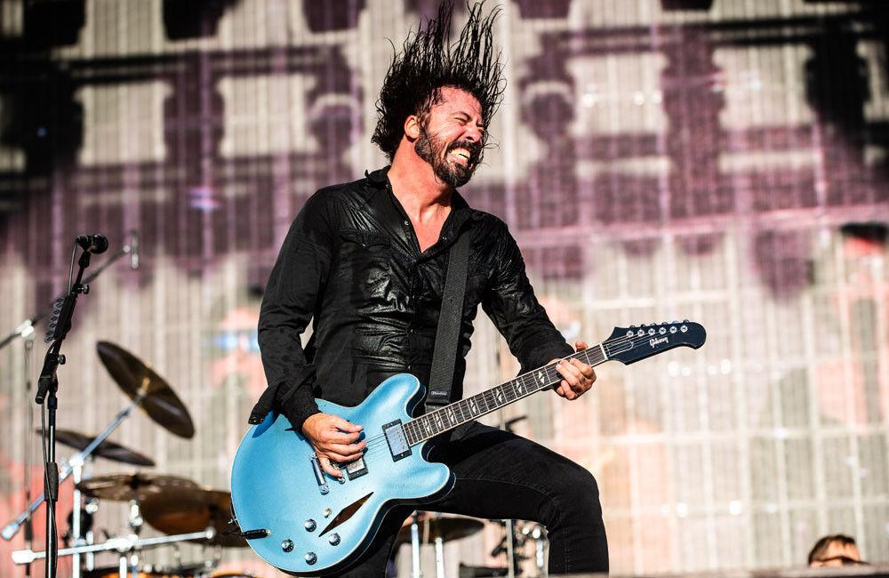 Foo Fighters prouve que le rock est bien vivant avec ce onzième album, Medicine At Midnight