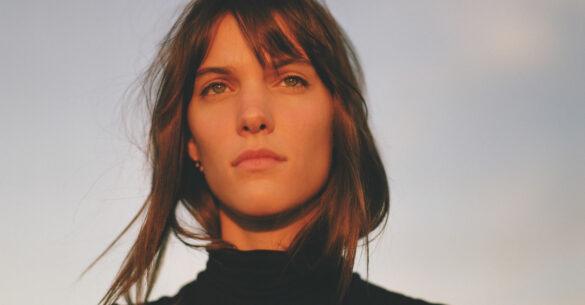Ces deux nouvelles chansons sont confirmées sur le premier album de Charlotte Cardin